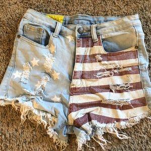 Pants - Patterned shorts